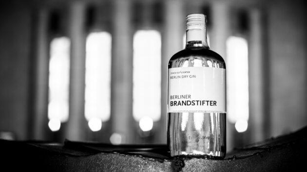 Berlin Brennt. Eine Hommage an den Berlin Dry Gin, der den Geist Berlins in sich trägt.
