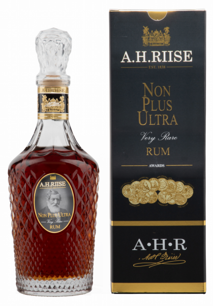 A. H. Riise Non Plus Ultra Rum 42% 70cl
